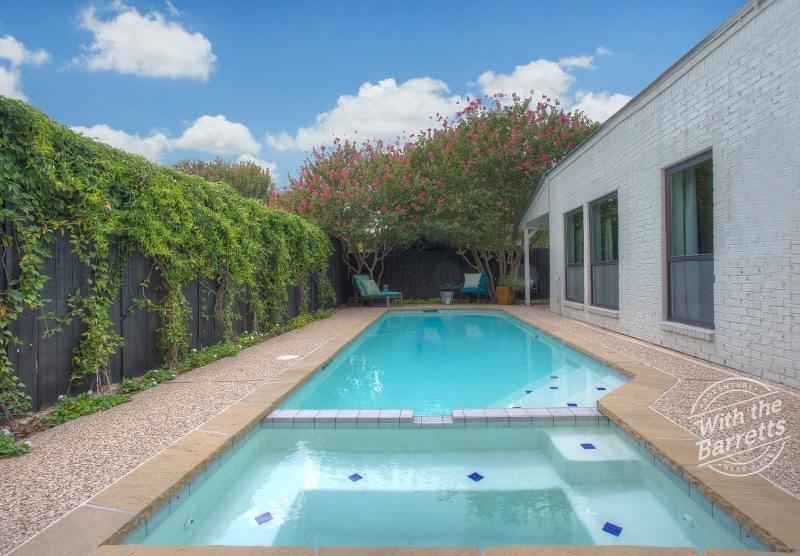 SoMoToHo pool